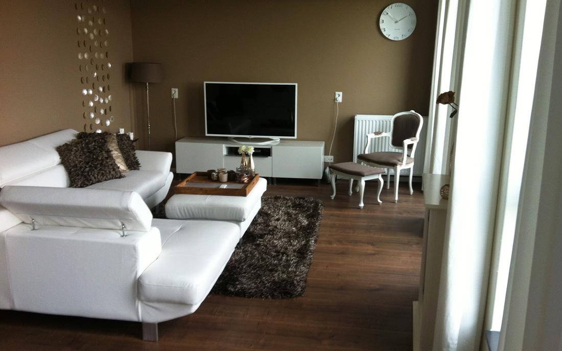 Laminaat met plinten en karpet referenties decorazone
