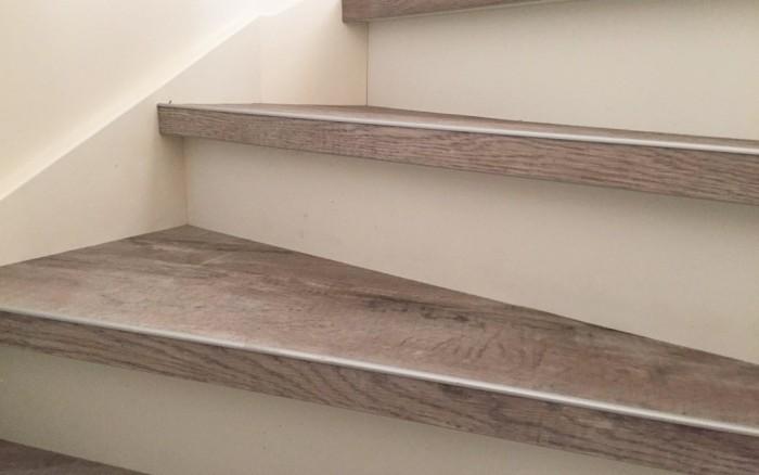 Traprenovatie PVC houtlook trapprofiel